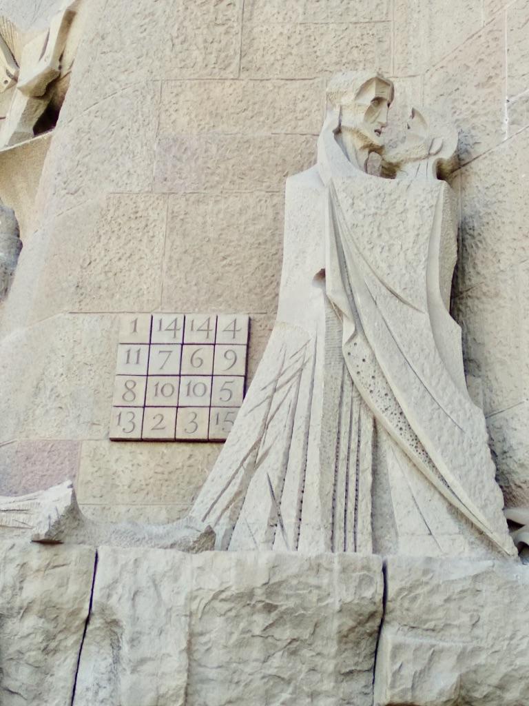 Sagrada Familia: Facciata della Passione: Il bacio di Giuda