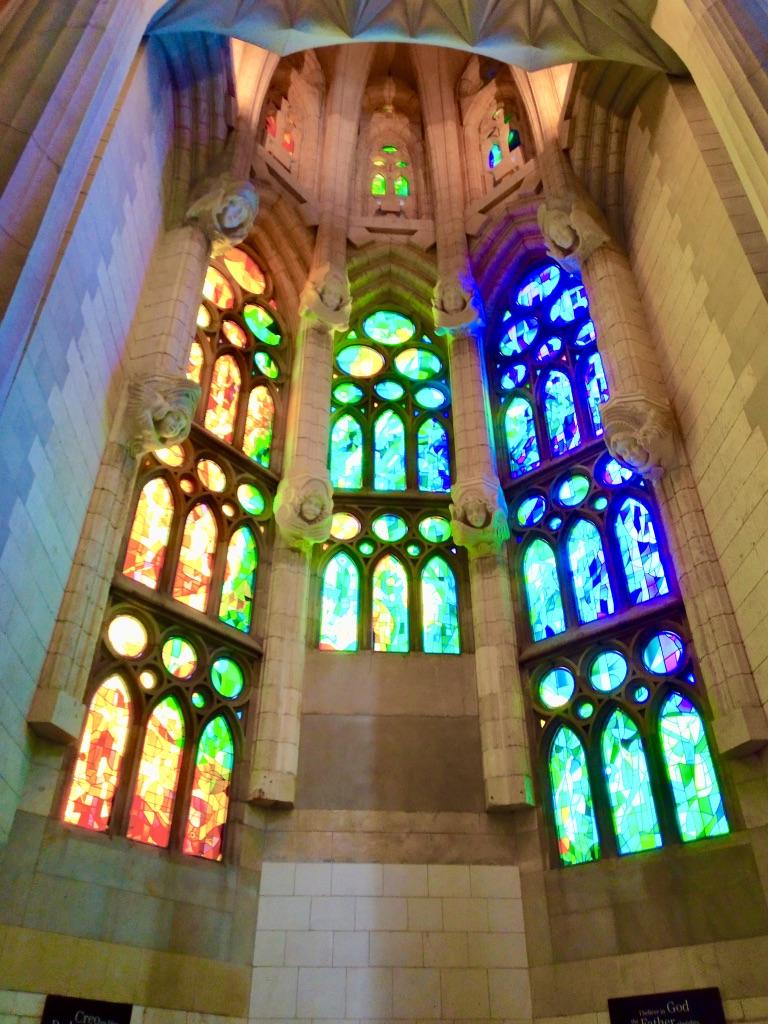 Vetrate e colonne della Sagrada Familia