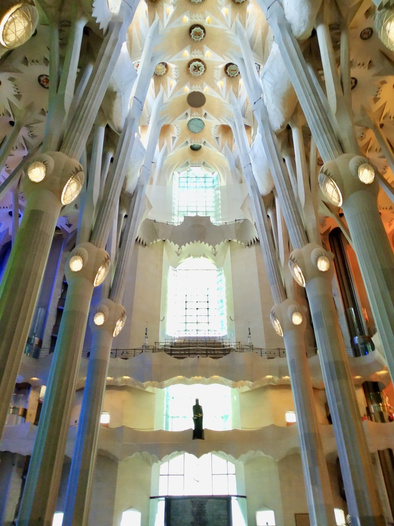 Parte interna della Facciata della Gloria di Dio della Sagrada Familia