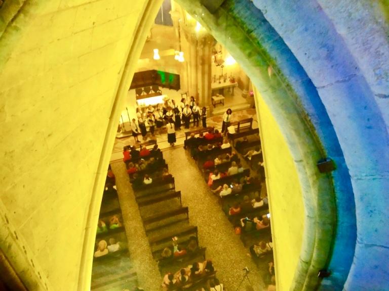 La Cripta vista dall'interno della Sagrada Familia