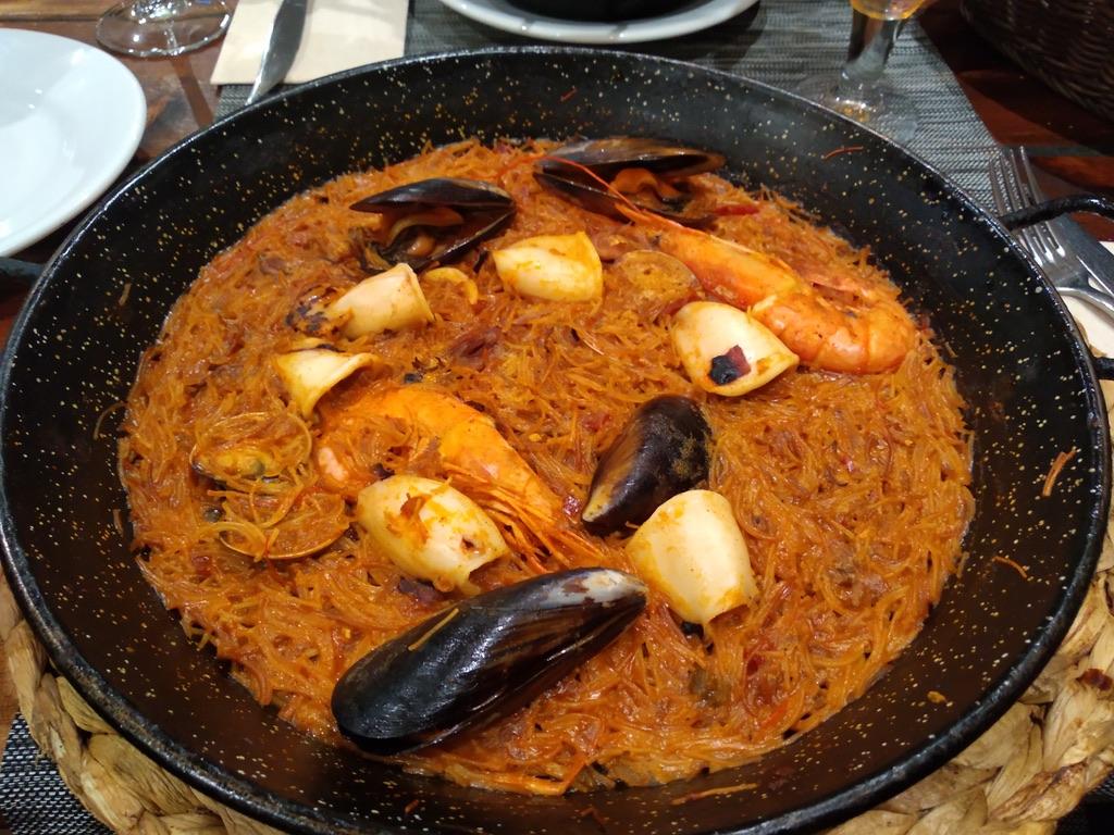 Barcellona: Bar Guell Tapas_ Fideuà morisca